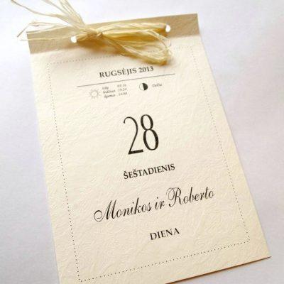 Kvietimas su šiaudų juostelėmis puikiai tinka rugsėjo ir rugpjūčio vestuvėms