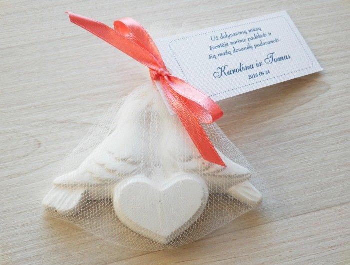 Įsimylėję balandžiai - dovanėlės vestuvių svečiams